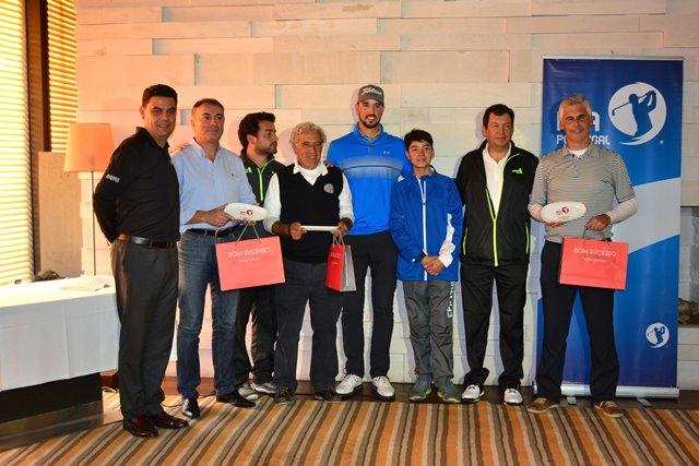 A equipa vencedora do Pro-Am Guardian Bom Sucesso Golf  de João Carlota. Fotografia de Sofia Câmara LR