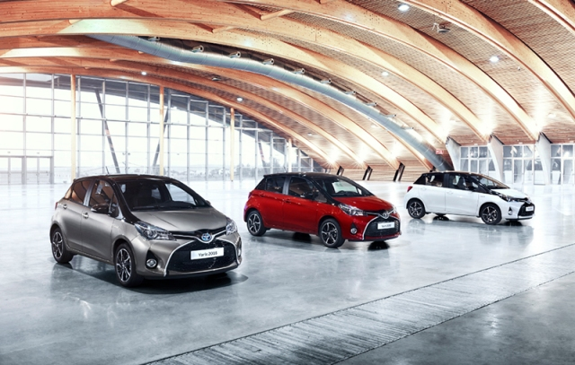 Yaris-Square-Collection